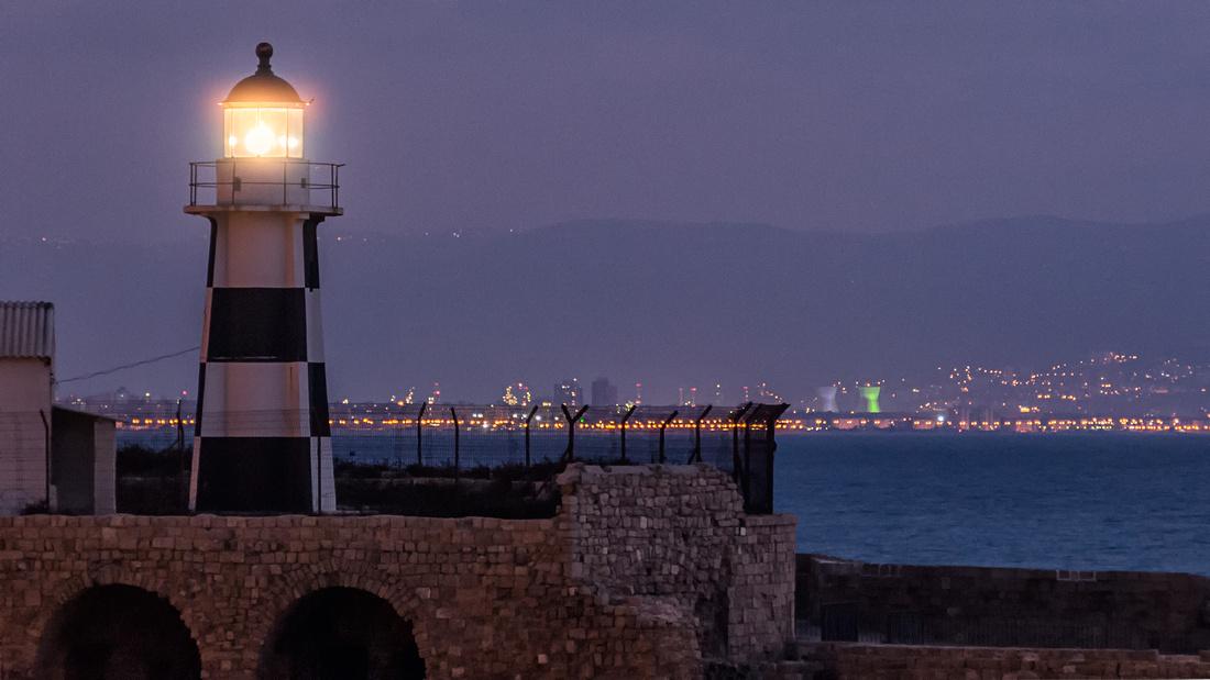2008 - Akko - Akko Light (Acre Light) looking across Haifa Bay toward Haifa